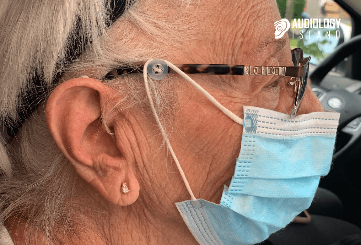 tips for wearing a face mask and glasses with hearing aids