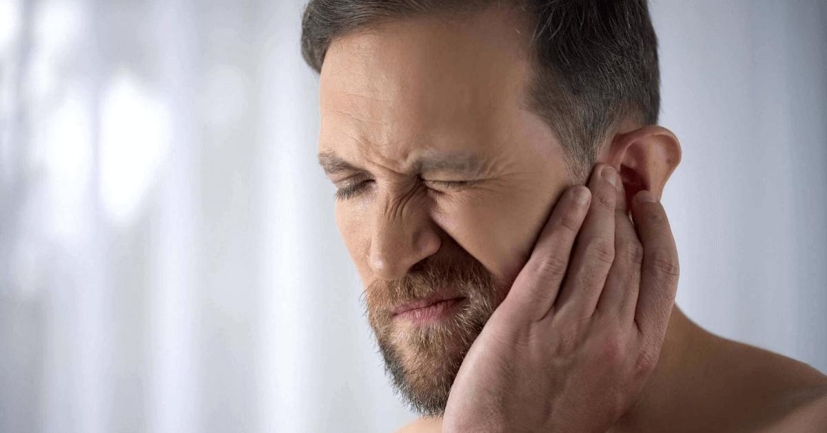 swimmer ear symptoms